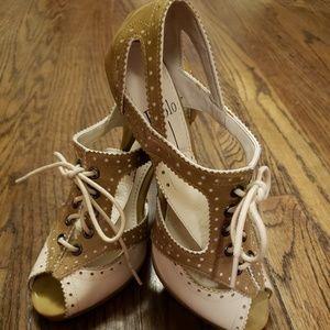 NWOT Linea Paolo Peep Toe Lace Up Heels Sz 6.5
